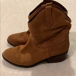 Women's boots by White Mountain